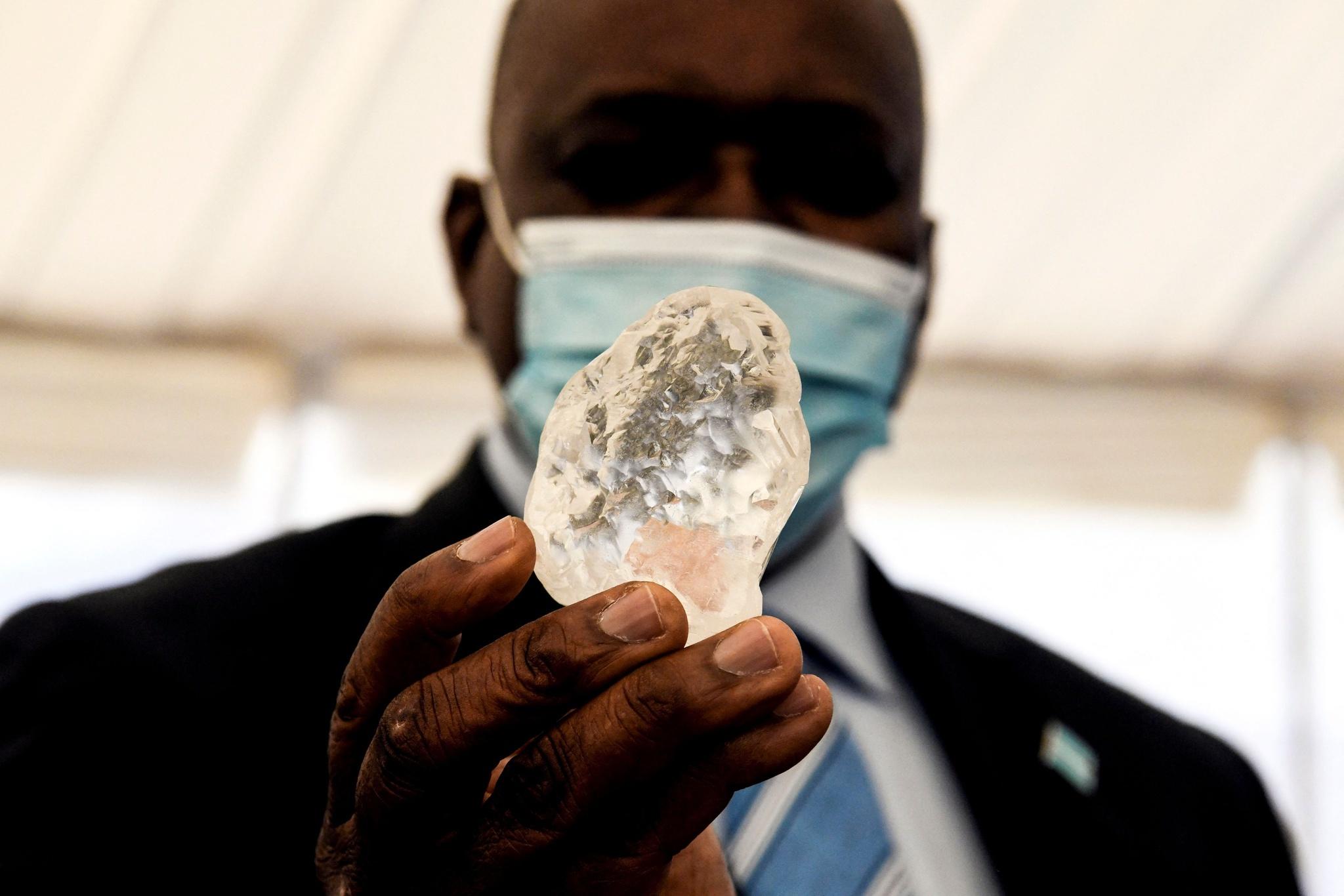 【速報】ボツワナでとてつもないダイヤモンドが発掘される!!!
