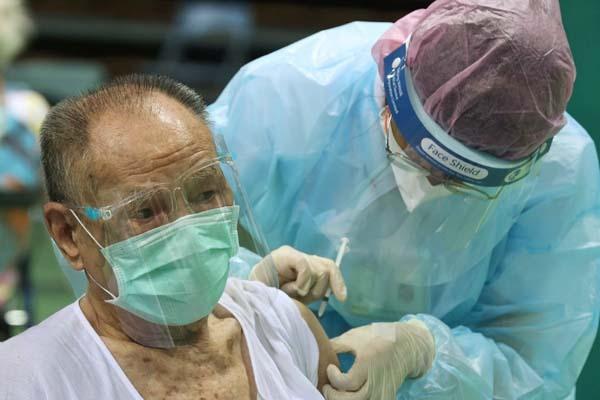 【台湾に激震!】<アストラゼネカ製ワクチン>開始わずか4日間で.接種直後に36人死亡... 在台邦人は対日感情悪化を危惧...  [Egg★]