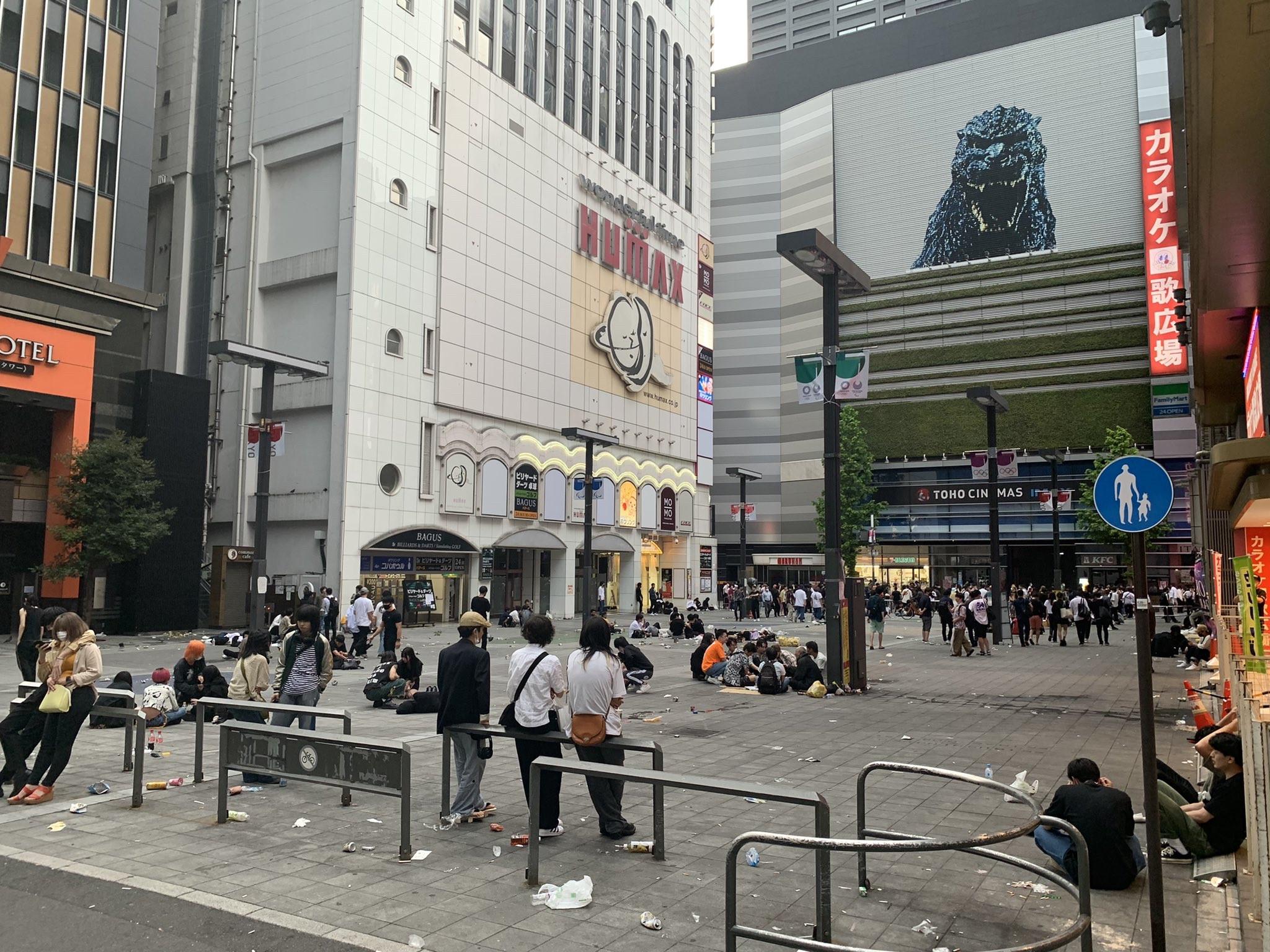 【画像】今朝の歌舞伎町の様子がこちら  いつの間にかヤベー国になってた…